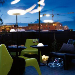 Lampadaire lumineux pour terrasse