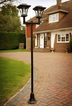 Lampadaire solaire pour jardin conomique et cologique for Lampadaire exterieur 2 tetes