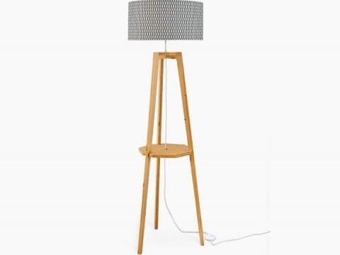 Lampadaire en bois design pour illuminer son int rieur for Lampadaire interieur design